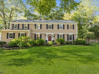 3 RALEIGH CT