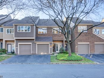 23 BEDFORD CT