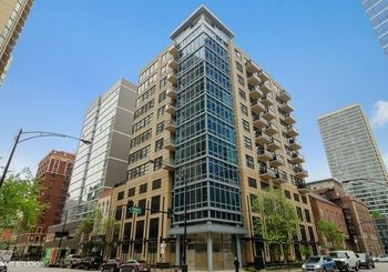 101 West Superior Street Unit: 1206