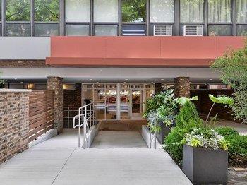 1700 1700 North North Park Avenue 5A