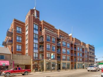 2700 2700 North Halsted Street 201