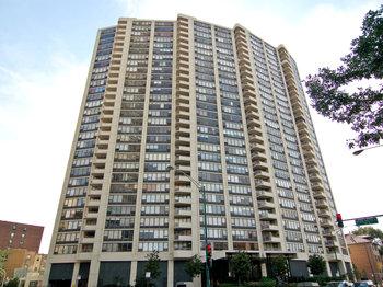 3930 3930 North Pine Grove Avenue 1505