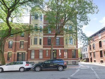 1742 1742 North North Park Avenue 3S