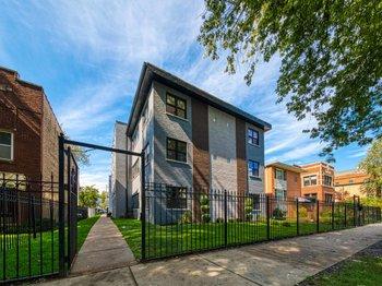 5710 North Hermitage Avenue 301