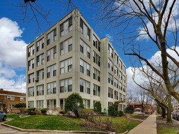 1633 West Thome Avenue Unit: 504