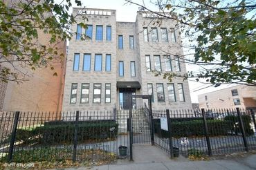 825 West Eastwood Avenue Unit: 1W