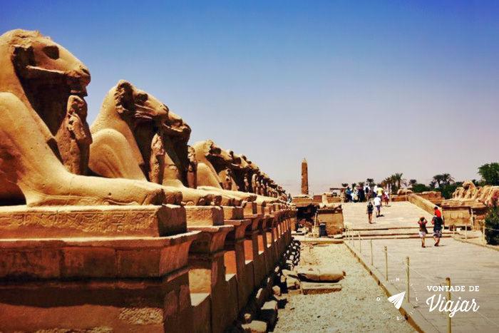 Egito - Karnak um dos maiores santuarios do mundo construido a partir de 2200 aC por mais de 18 seculos