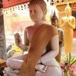 Tailandia Chiang Mai Doi Suthep - Buda de marmore