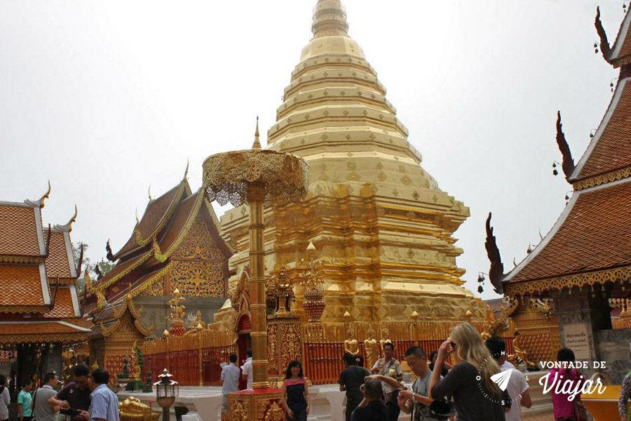 Tailandia Chiang Mai Doi Suthep - Templo dourado na montanha