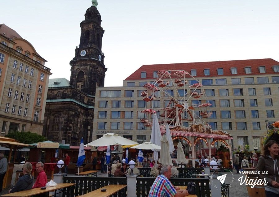 Dresden - Feira de comida e roda gigante no Altmarket