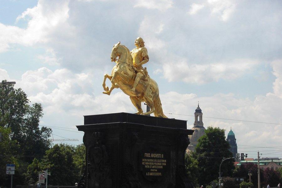 Dresden - Estatua do Cavaleiro Dourado - foto Daniel Hueneborg