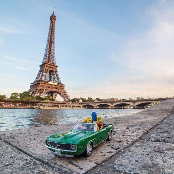 Discret - Simpsons em Paris Torre Eiffel
