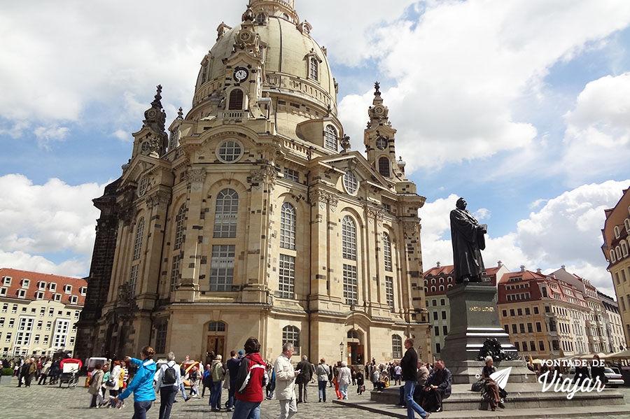 Frauenkirche reconstruída e linda