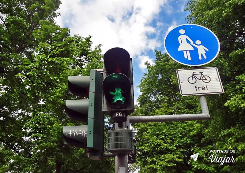 O que fazer em Dresden - Sinal de transito Alemanha Oriental