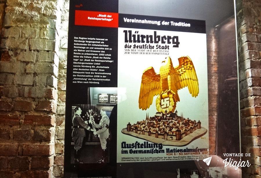 Centro de Documentacao de Nuremberg - Cartaz da cidade mais alema de todas