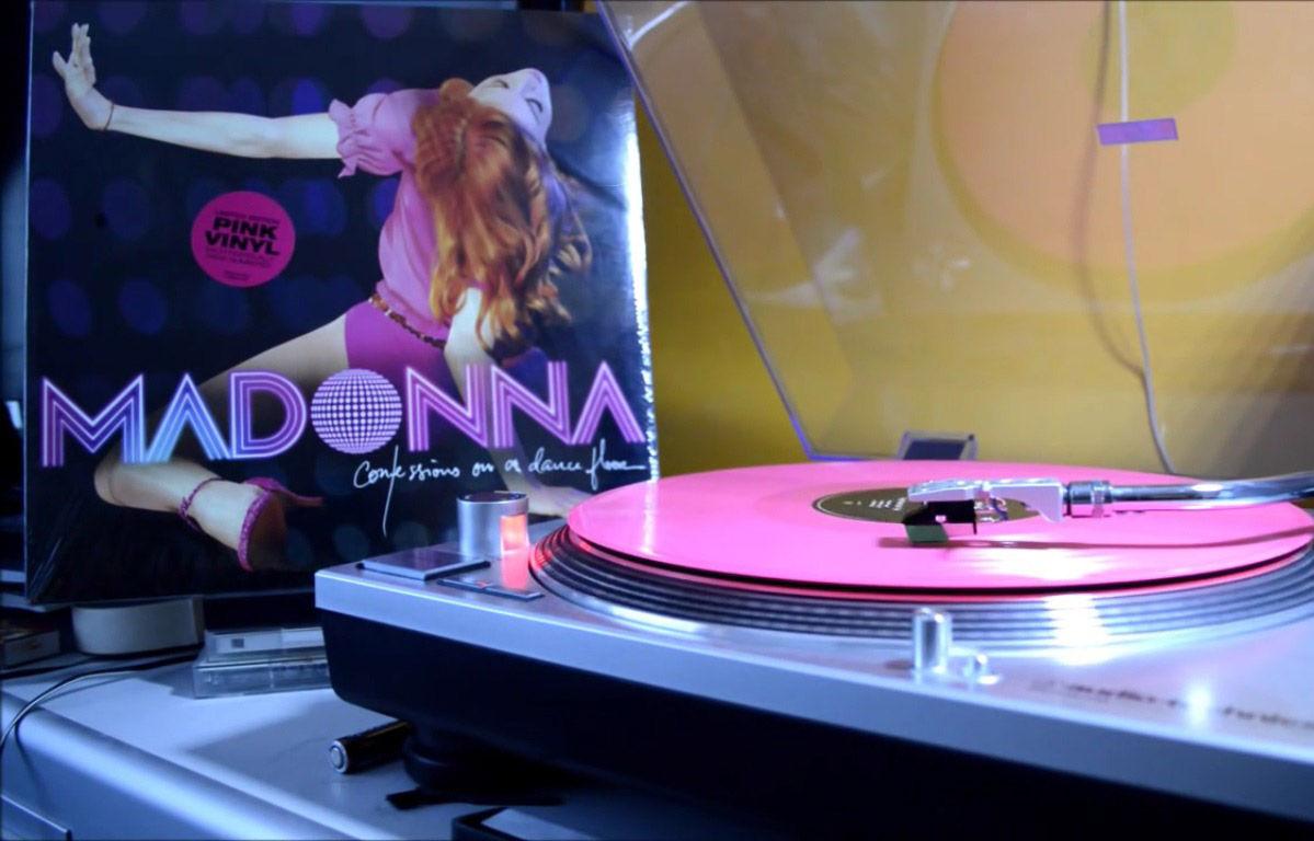 3-dicas-vinil-em-paris-discos-da-madonna-foto-rebel-heart-on-vinyl