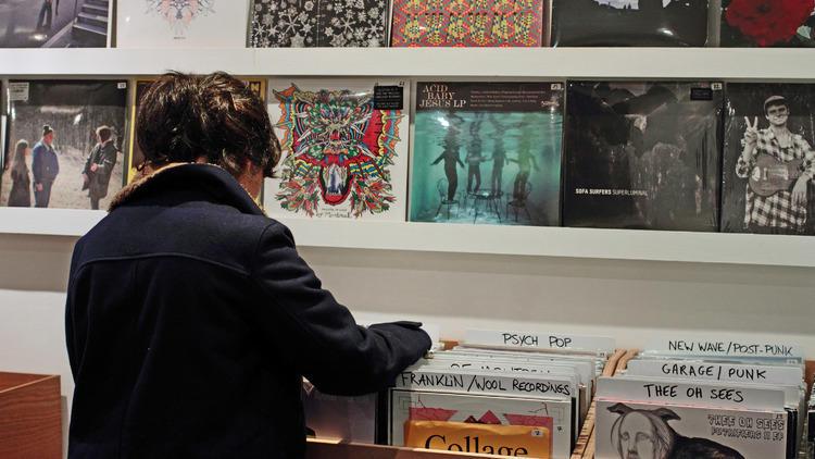 3-dicas-vinil-em-paris-loja-de-discos-linternational-records-foto-timeout
