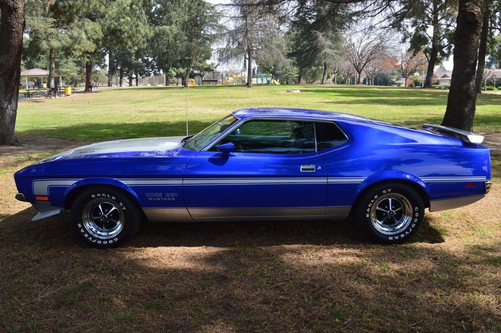 BEAUTIFUL 1971 Ford Mustang