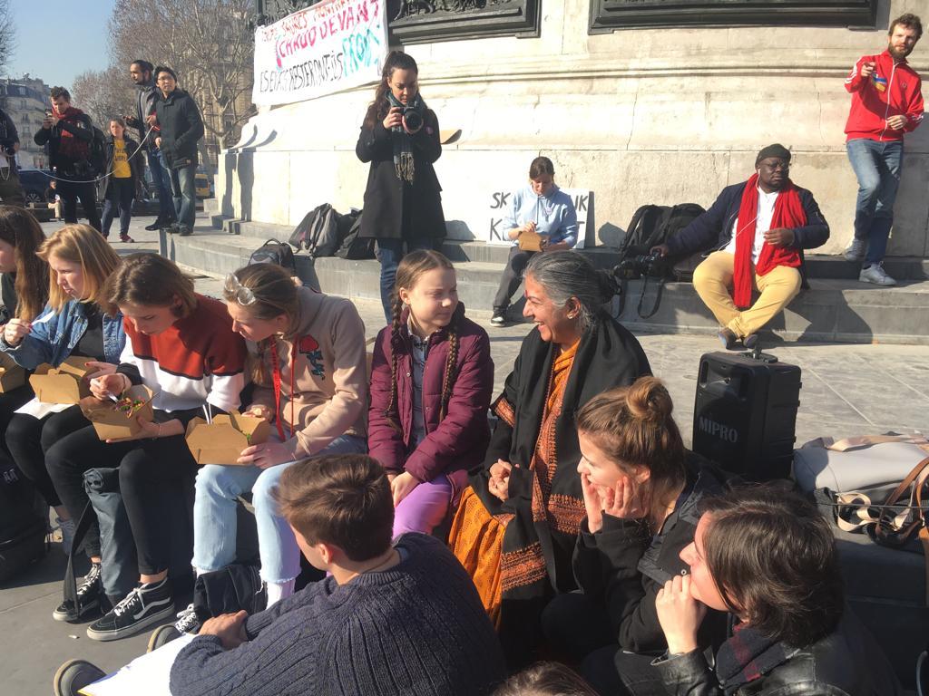 Vandana Shiva: Precisamos de uma convenção global sobreprivacidade digital