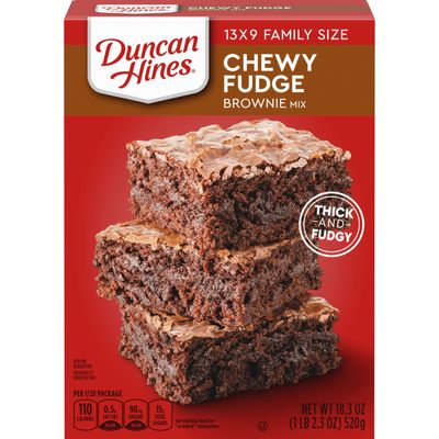 DUNCAN HINES CHEWY FUDGE BROWNIE MIX 519G