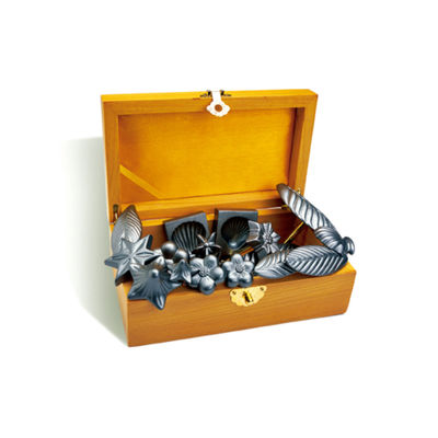 SANNENG SILICONE CHOC MOULD SET IN WOODEN BOX SN3141 18PCS