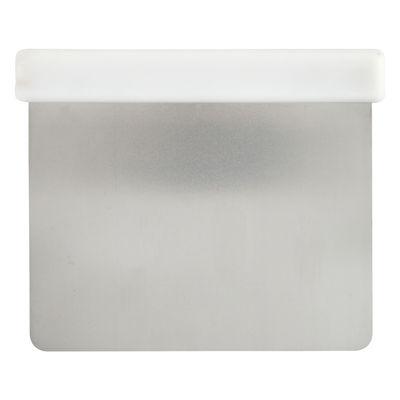 DOUGH CUTTER WITH PLASTIC HANDLE 10.5CMX11.7CM