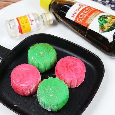 0917 Molten Snowskin Mooncake (Lychee Rose & Ondeh Ondeh)