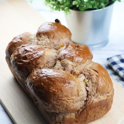 Soft Chocolate Raisin Bread