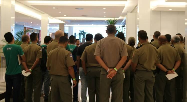 Programa Visitas Guiadas recebe grupo de policiais de Paudalho
