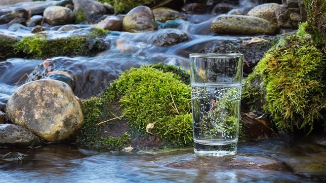 Kandungan Air Putih yang Bermanfaat Bagi Tubuh Anda