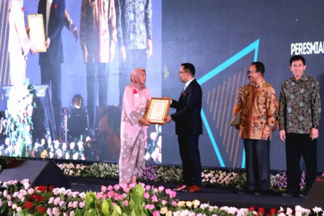 Peduli Masyarakat dan Lingkungan, 7 Pabrik Danone-AQUA Menerima Penghargaan dari Gubernur Jawa Barat