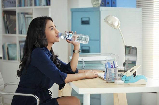 Manfaat Air Putih untuk Ginjal dan Tubuh Yang Sehat