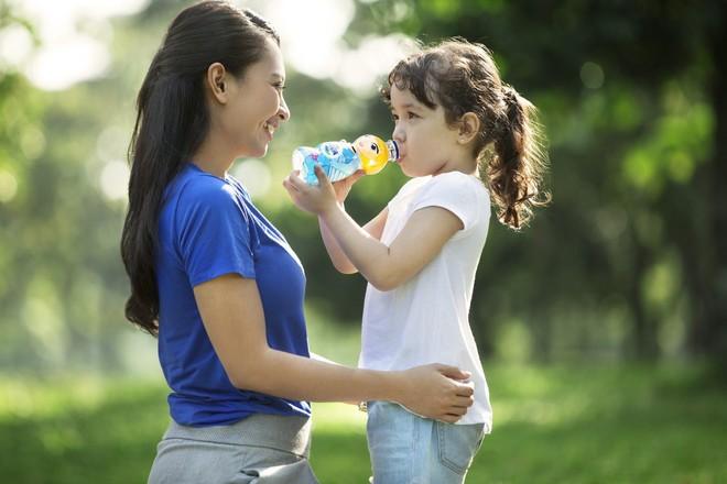 Langkah Menjaga Hidrasi Anak Saat Berolahraga