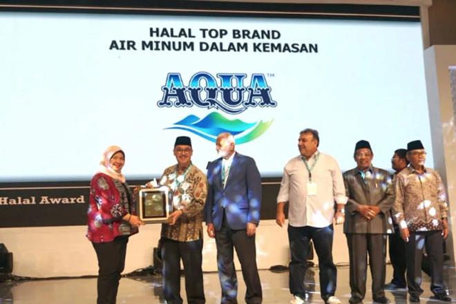 """AQUA Kembali Raih """"Halal Award - Halal Top Brand 2019"""" dari LPPOM MUI"""