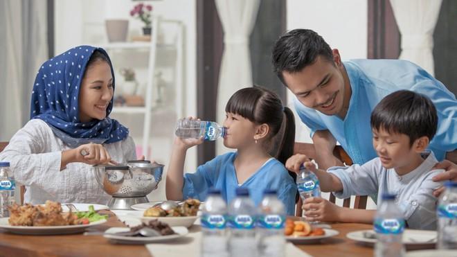 Melindungi Diri dan Raih Kemenangan Ramadan bersama Air Mineral AQUA