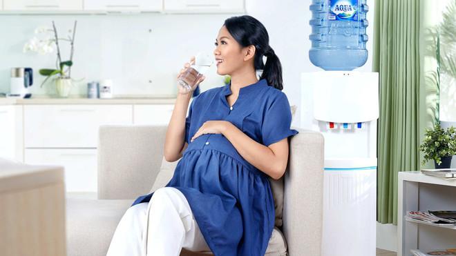 Pentingnya Air Putih Untuk Ibu Menyusui