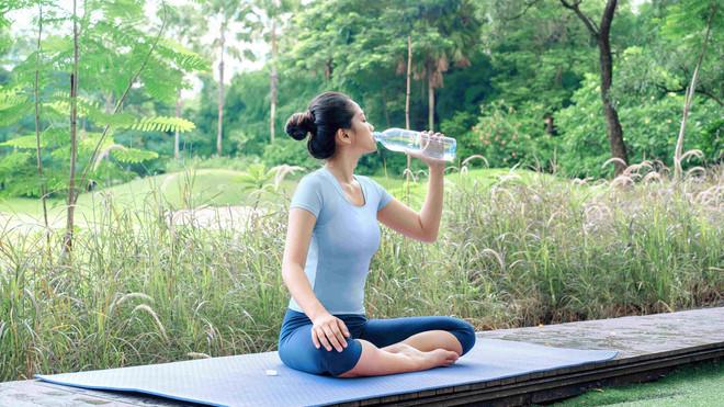 Kapan Harus Minum Air Putih? Simak Tips Tips Berikut Ini