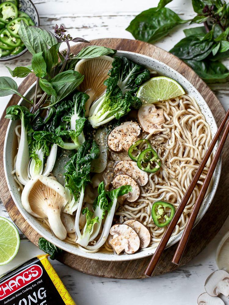 Greens Noodle Soup