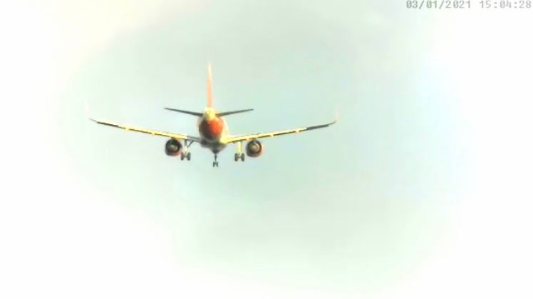 Easy A320N arr 05