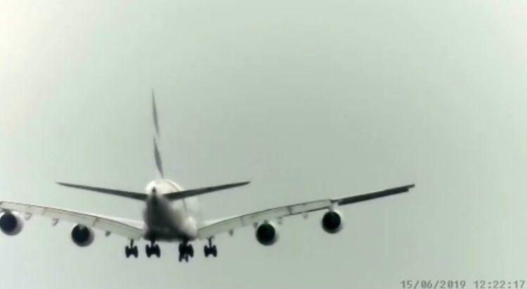 Ek A380 arr 05