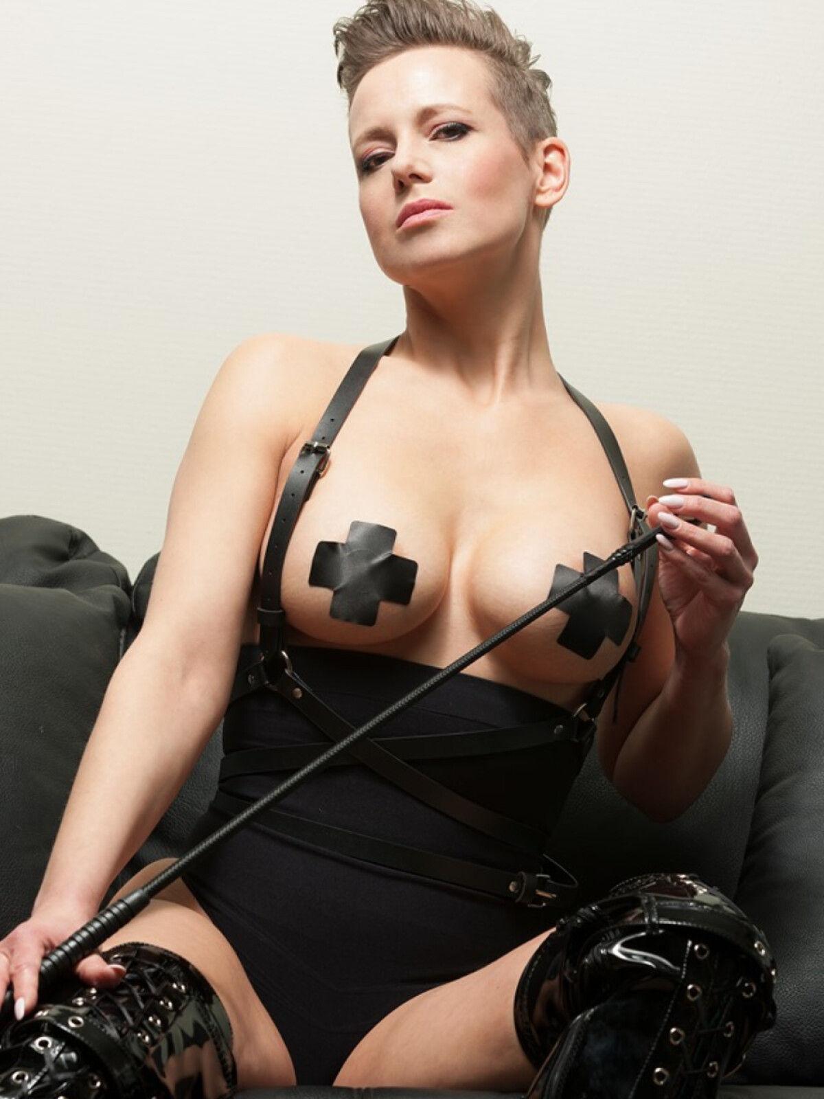 mistress-eve
