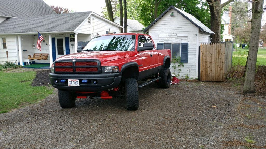 Good condition 1999 Dodge Ram 1500 lifted