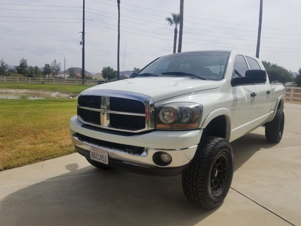new paint 2006 Dodge Ram 3500 lifted