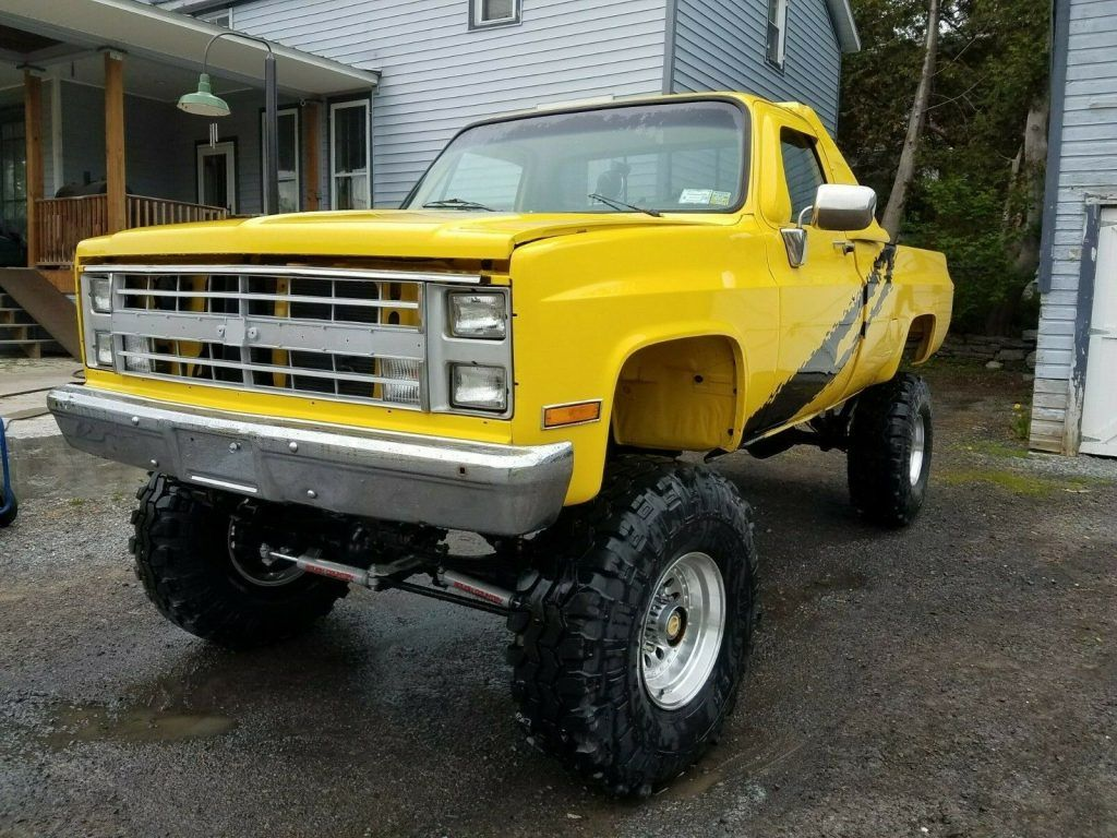 restored 1985 Chevrolet C/K Pickup 2500 K10 lifted