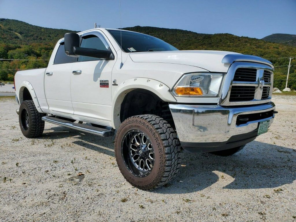 well maintained 2010 Dodge Ram 2500 lifted