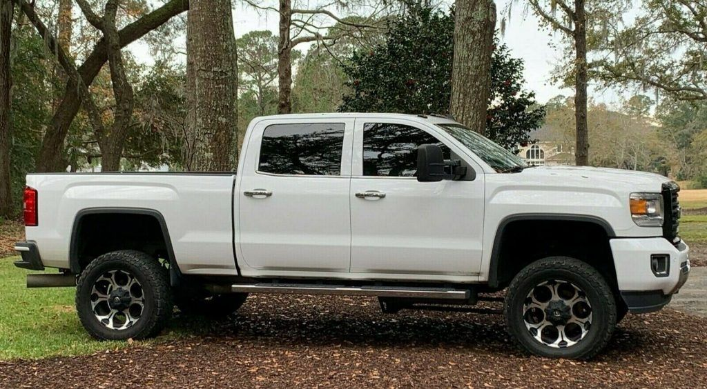 2015 GMC Sierra 2500 HD Denali lifted [loaded with every option]