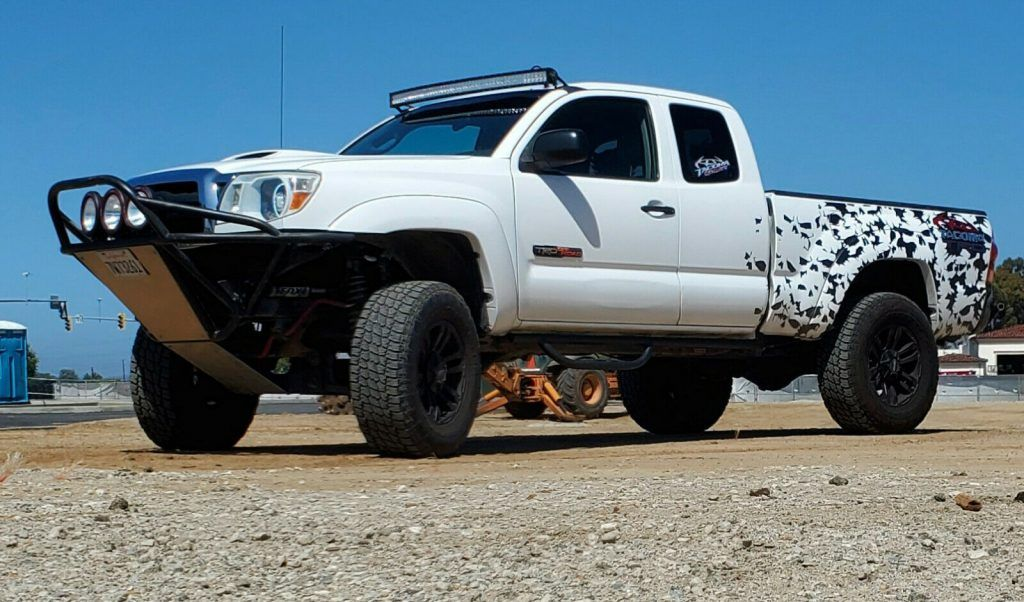 2005 Toyota Tacoma SR5 Pickup lifted [meticulously maintained]