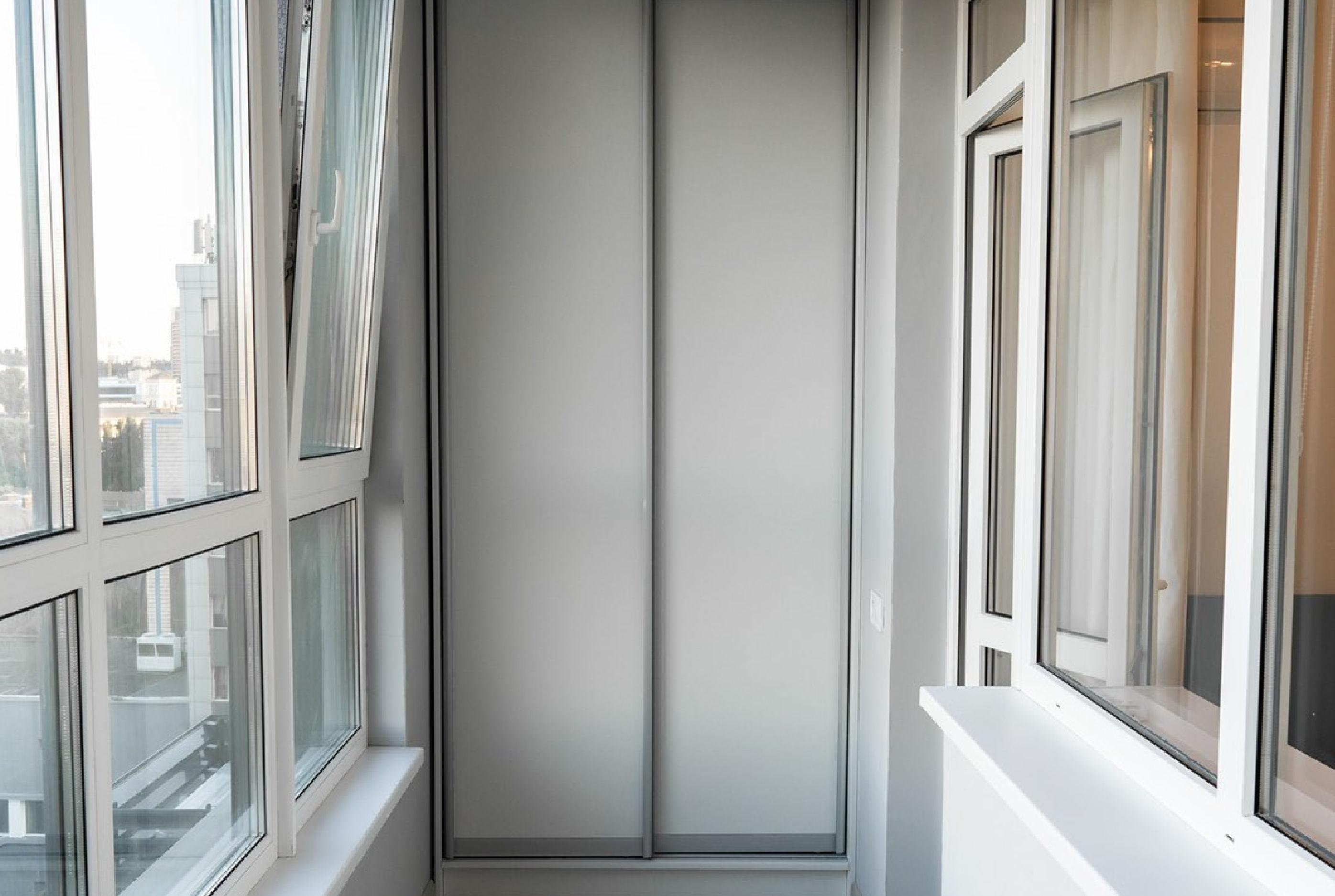 вікна на балконі