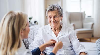 cuidado-de-ancianos-internas-y-por-horas