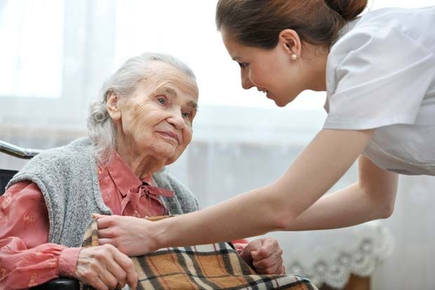 cuidamos-a-personas-mayores-a-domicilio-en-madrid
